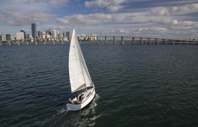 Sun Odyssey 349 │ Sun Odyssey of 10m │ Boat Sailboat Jeanneau boat Sun-Odyssey-349 940