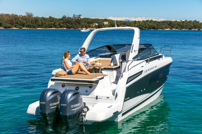 Leader 30 │ Leader of 9m │ Boat powerboat Jeanneau Outboard version 18172