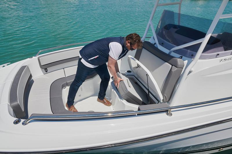 Leader 7.5 CC Series 3 │ Leader CC of 7m │ Boat powerboat Jeanneau  23090