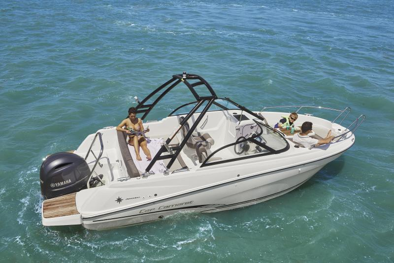 CAP CAMARAT 6.5 BR │ Cap Camarat Bow Rider of 6m │ Boat powerboat Jeanneau CAP CAMARAT 6.5 BR 3040