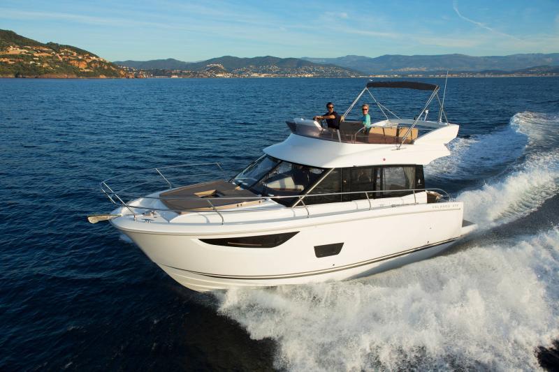 Velasco 37F │ Velasco of 11m │ Boat Intra-borda Jeanneau Flybridge 14828