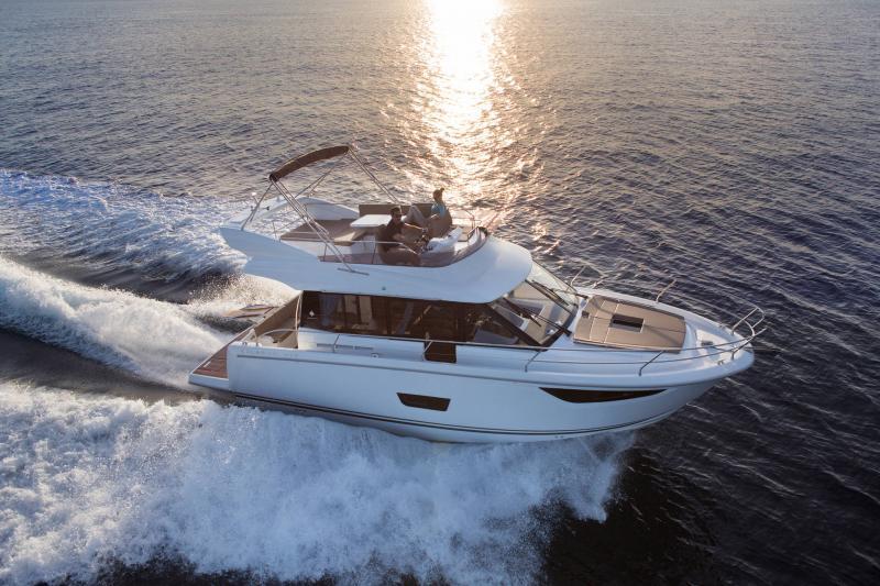 NC 38 Fly │ NC of 11m │ Boat Intra-borda Jeanneau Flybridge 14831
