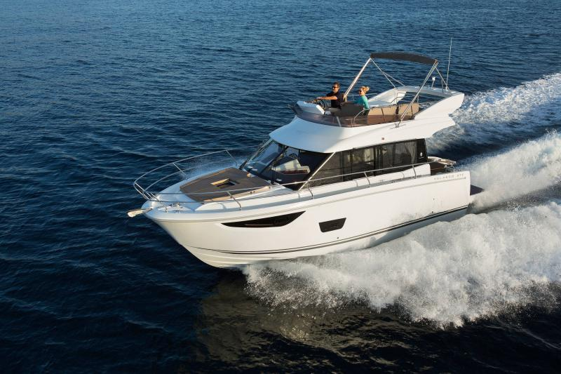 Velasco 37F │ Velasco of 11m │ Boat Intra-borda Jeanneau Flybridge 14830