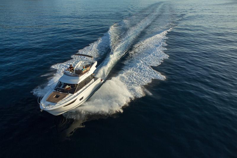 NC 38 Fly │ NC of 11m │ Boat Intra-borda Jeanneau Flybridge 14819
