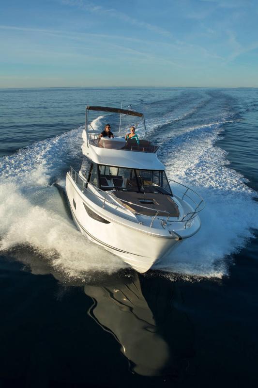 NC 38 Fly │ NC of 11m │ Boat Intra-borda Jeanneau Flybridge 14855