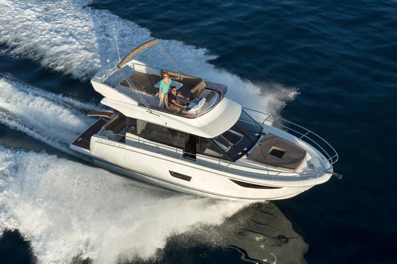 NC 38 Fly │ NC of 11m │ Boat Intra-borda Jeanneau Flybridge 14802