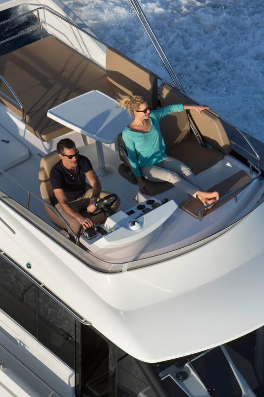 NC 38 Fly │ NC of 11m │ Boat Intra-borda Jeanneau Flybridge 14811
