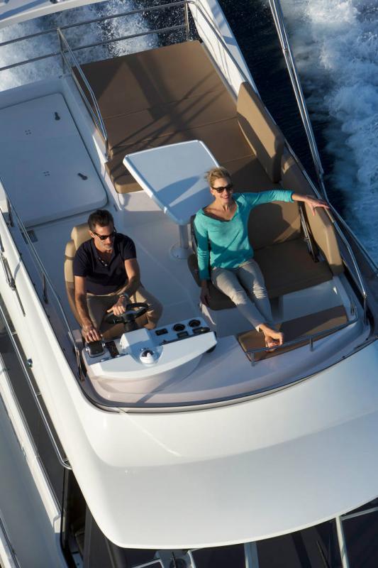 NC 38 Fly │ NC of 11m │ Boat Intra-borda Jeanneau Flybridge 14841