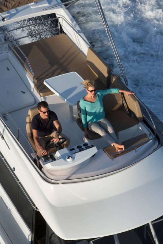NC 38 Fly │ NC of 11m │ Boat Intra-borda Jeanneau Flybridge 14793