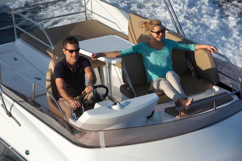 NC 38 Fly │ NC of 11m │ Boat Intra-borda Jeanneau Flybridge 14844
