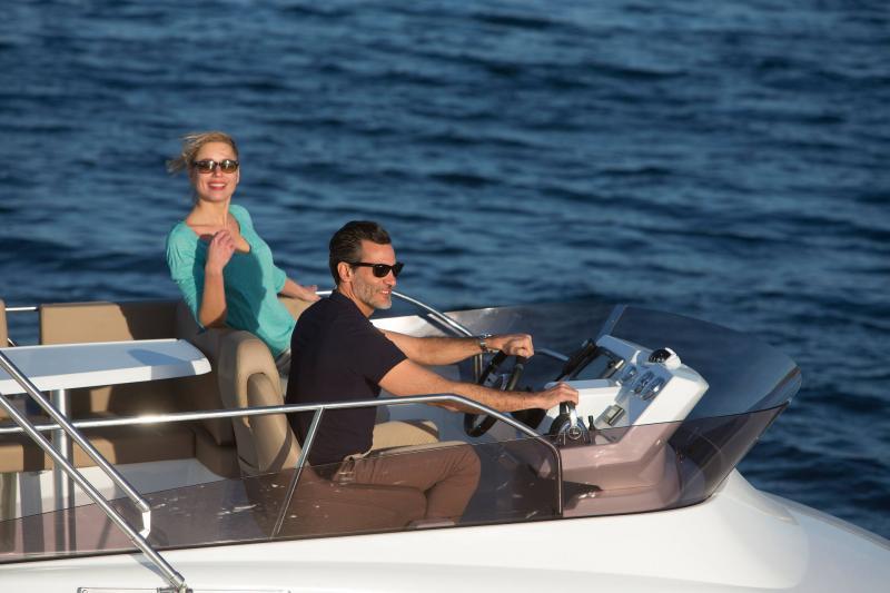 Velasco 37F │ Velasco of 11m │ Boat Intra-borda Jeanneau Flybridge 14846