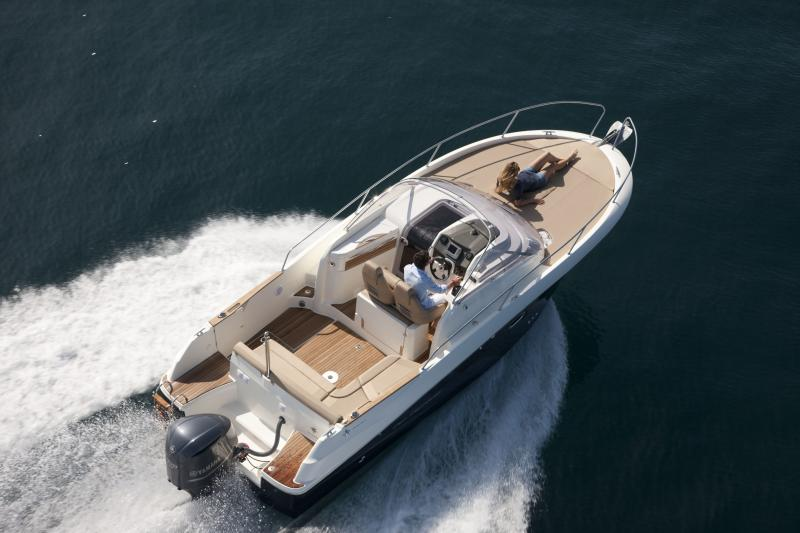Cap Camarat 8.5 WA │ Cap Camarat Walk Around of 8m │ Boat powerboat Jeanneau  260