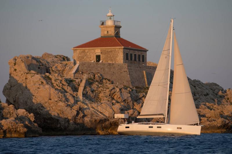 Jeanneau 54 │ Jeanneau Yachts of 16m │ Boat Segelboote Jeanneau  13556