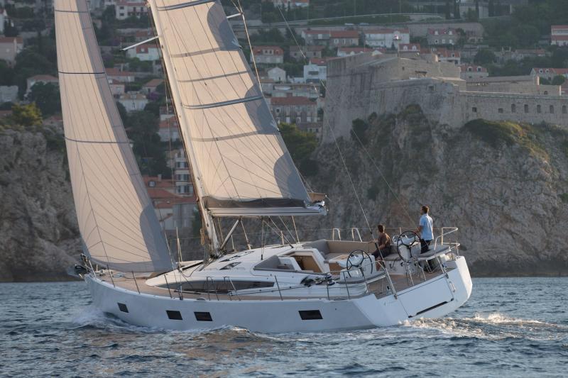 Jeanneau 54 │ Jeanneau Yachts of 16m │ Boat Segelboote Jeanneau  13557