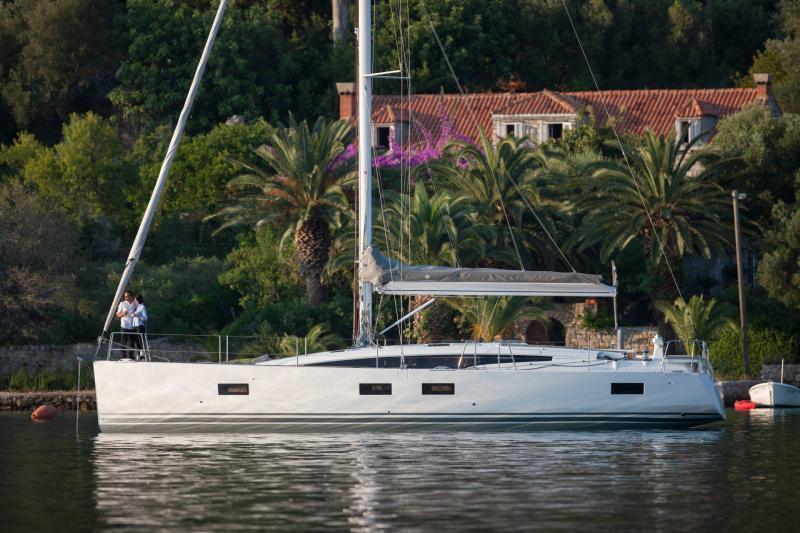 Jeanneau 54 │ Jeanneau Yachts of 16m │ Boat Segelboote Jeanneau  13548