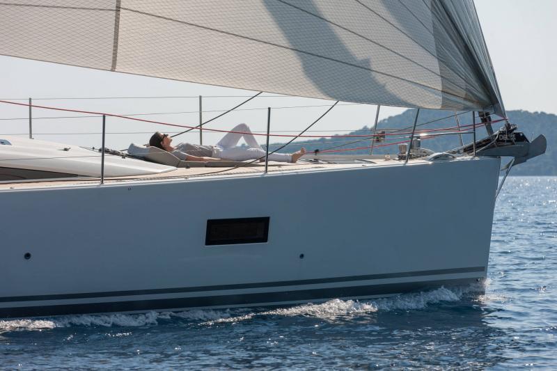 Jeanneau 54 │ Jeanneau Yachts of 16m │ Boat Segelboote Jeanneau  13530