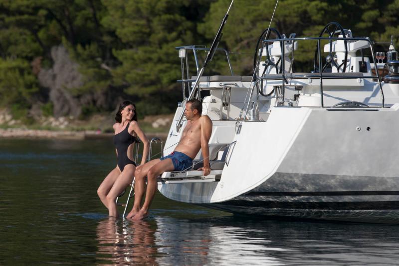 Jeanneau 54 │ Jeanneau Yachts of 16m │ Boat Segelboote Jeanneau  13542