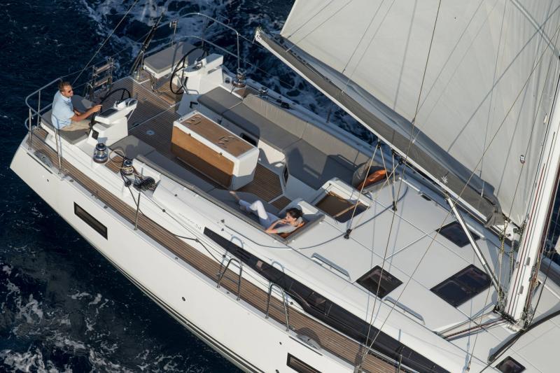 Jeanneau 54 │ Jeanneau Yachts of 16m │ Boat Segelboote Jeanneau  13544