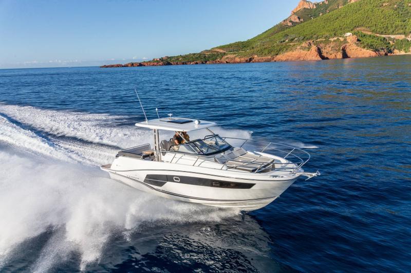 Leader 10.5 Series 2 │ Leader WA of 11m │ Boat powerboat Jeanneau  22298