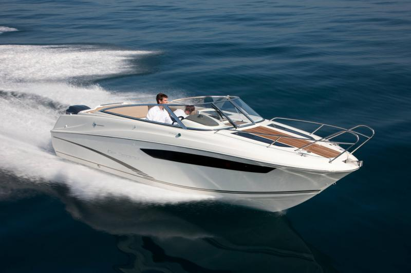 Cap Camarat 7.5 DC │ Cap Camarat Day Cruiser of 7m │ Boat powerboat Jeanneau  17240