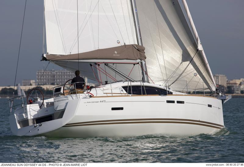 Sun Odyssey 44 DS │ Sun Odyssey DS of 13m │ Boat Sailboat Jeanneau boat Sun-Odyssey-DS-44DS 371