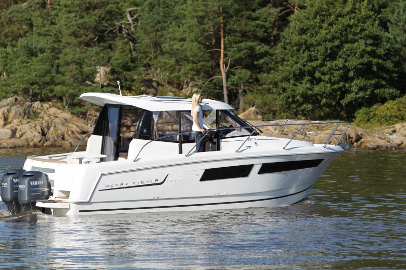 Merry Fisher 855 │ Merry Fisher of 9m │ Boat powerboat Jeanneau boat Merry-Fisher-855 340