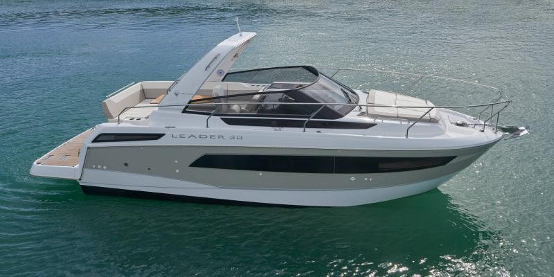 Leader 30 Exterior Views 12