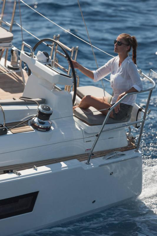 Jeanneau 51 Exterior Views 21