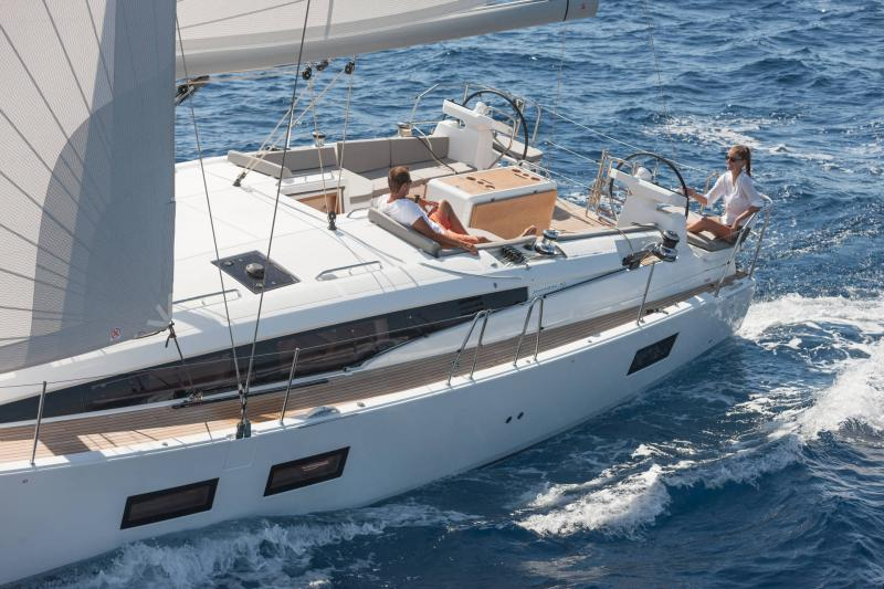 Jeanneau 51 Exterior Views 9