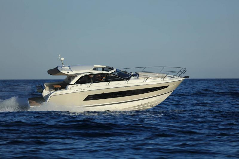 Leader 40 │ Leader of 12m │ Boat Intra-borda Jeanneau 1-Navigation 14350