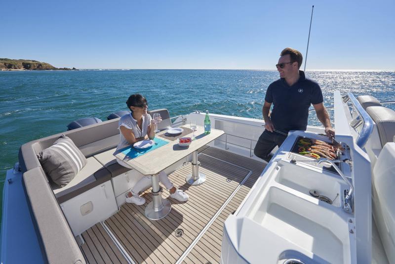 Leader 10.5 │ Leader of 11m │ Boat Fuera-borda Jeanneau  15030
