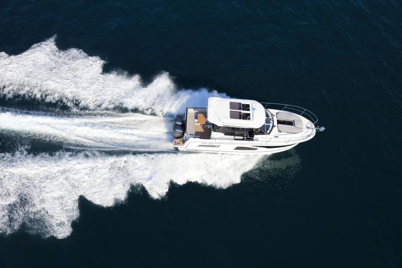 NC 1095 │ NC Weekender of 10m │ Boat powerboat Jeanneau  18887