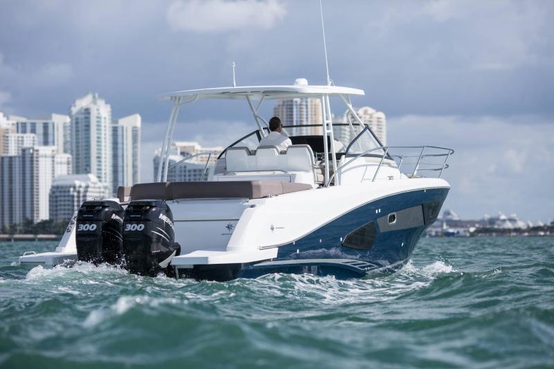 Leader 10.5 │ Leader of 11m │ Boat Fuera-borda Jeanneau  15019