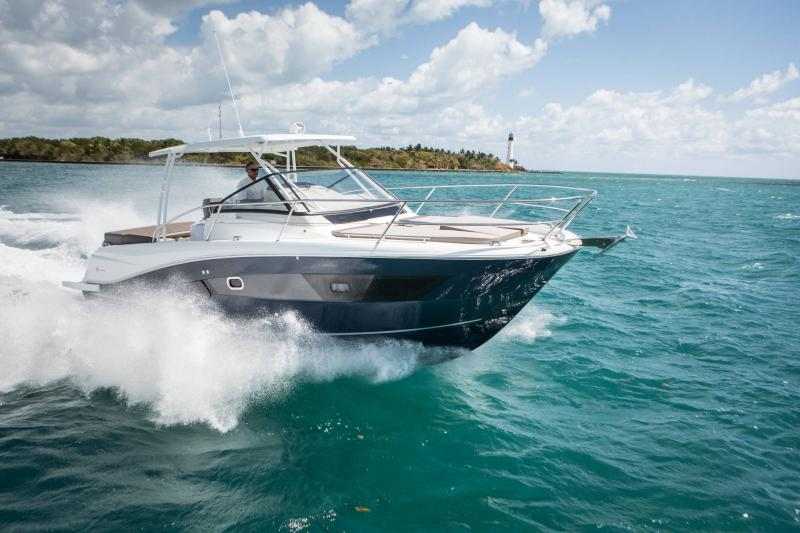 Leader 10.5 │ Leader of 11m │ Boat Fuera-borda Jeanneau  15022