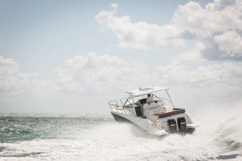 Leader 10.5 │ Leader of 11m │ Boat Fuera-borda Jeanneau  15021