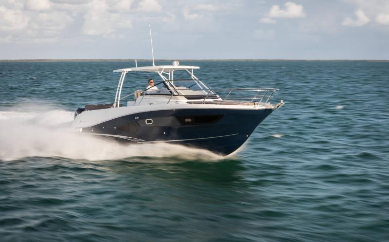 Leader 10.5 │ Leader of 11m │ Boat Fuera-borda Jeanneau  15025