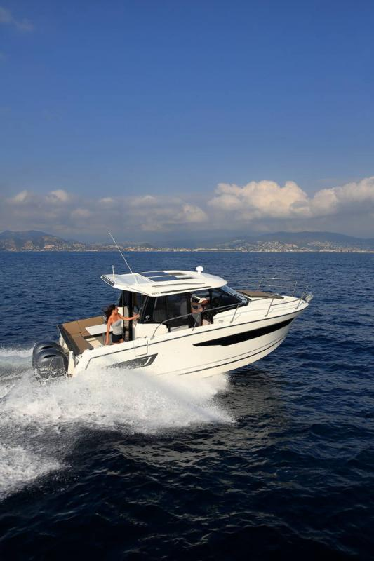 Merry Fisher 895 │ Merry Fisher of 9m │ Boat Outboard Jeanneau 1-Navigation 16360