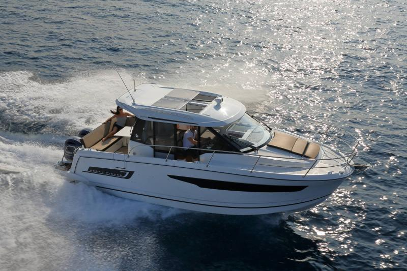Merry Fisher 895 │ Merry Fisher of 9m │ Boat Outboard Jeanneau 1-Navigation 16355