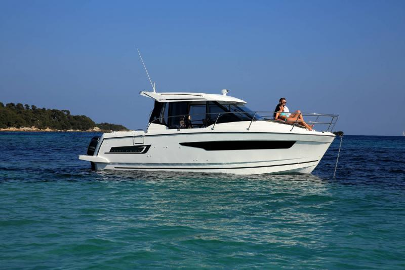 Merry Fisher 895 │ Merry Fisher of 9m │ Boat Outboard Jeanneau 2-Anchoring 16353