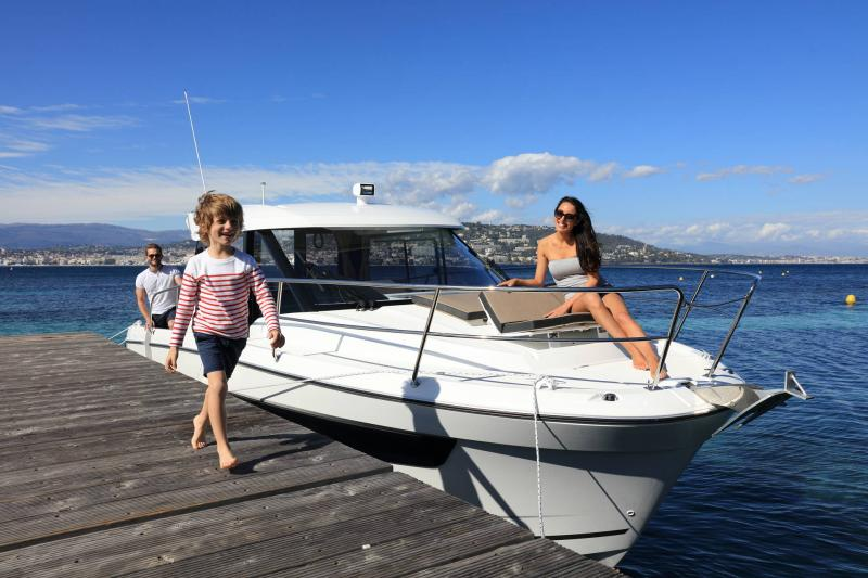 Merry Fisher 895 │ Merry Fisher of 9m │ Boat Outboard Jeanneau 2-Anchoring 16386