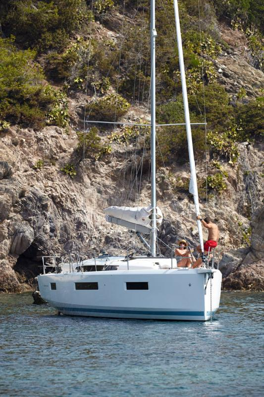 Sun Odyssey 440 │ Sun Odyssey Walk-Around of 13m │ Boat Sailboat Jeanneau  13125