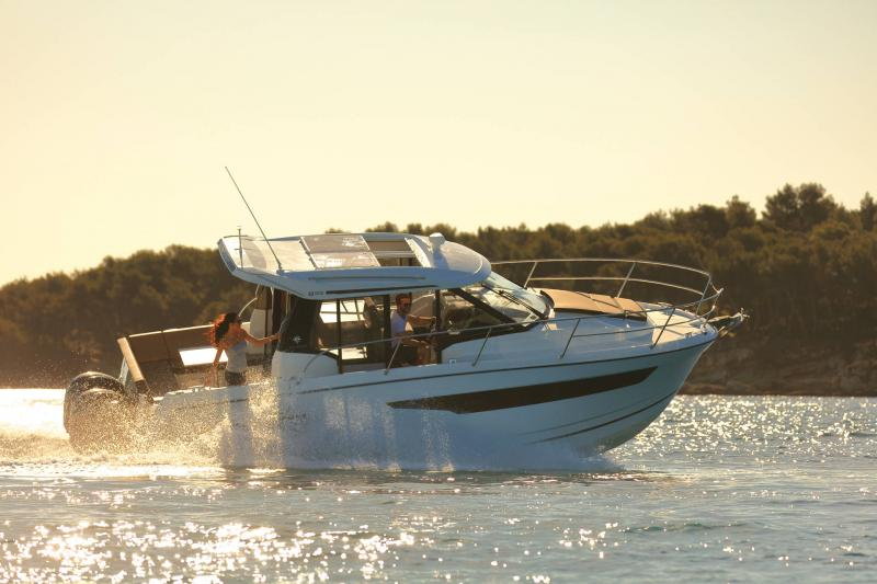 Merry Fisher 895 │ Merry Fisher of 9m │ Boat Outboard Jeanneau  16345