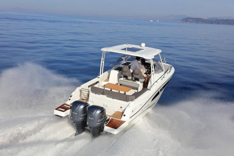 Cap Camarat 9.0 WA │ Cap Camarat Walk Around of 9m │ Boat Outboard Jeanneau 1-Navigation 14526