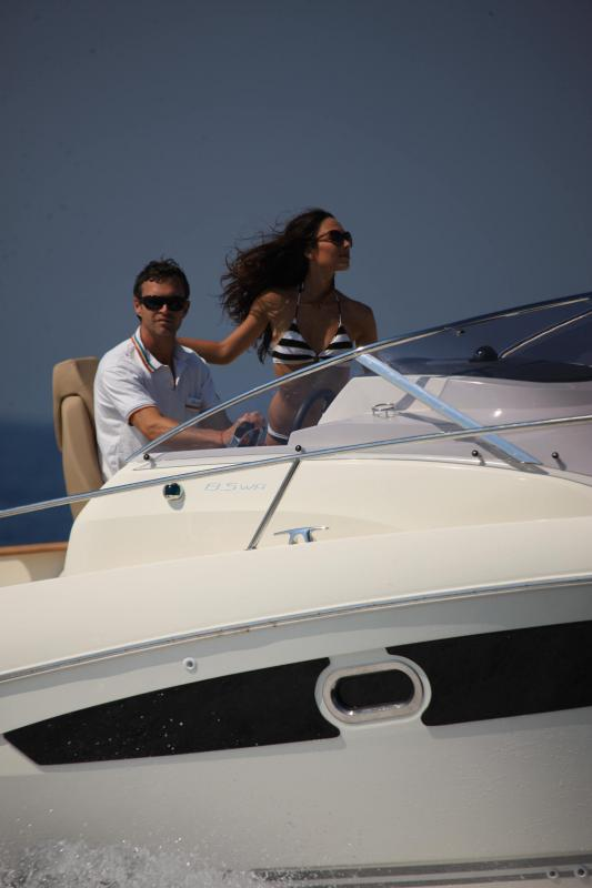 Cap Camarat 8.5 WA │ Cap Camarat Walk Around of 8m │ Boat powerboat Jeanneau  23