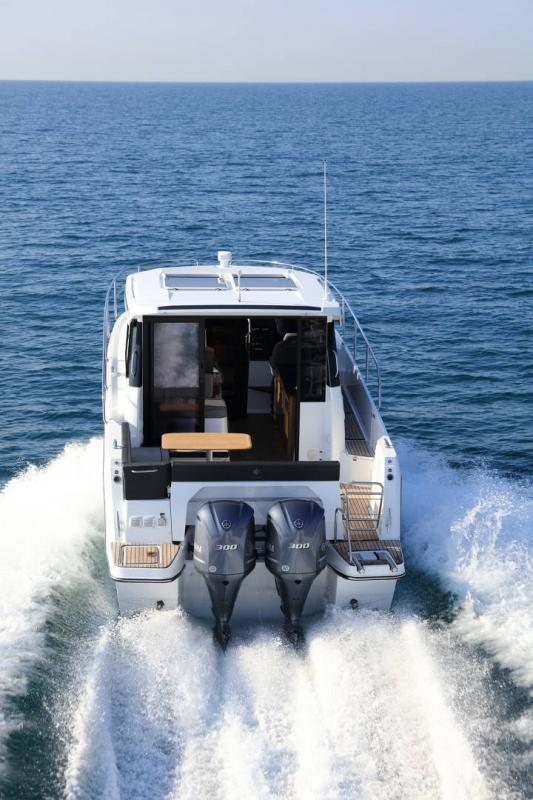 NC 1095 │ NC of 11m │ Boat Outboard Jeanneau  15359