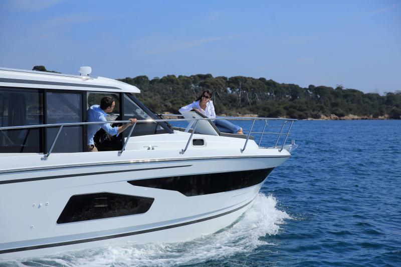 NC 1095 │ NC of 11m │ Boat Outboard Jeanneau  15344