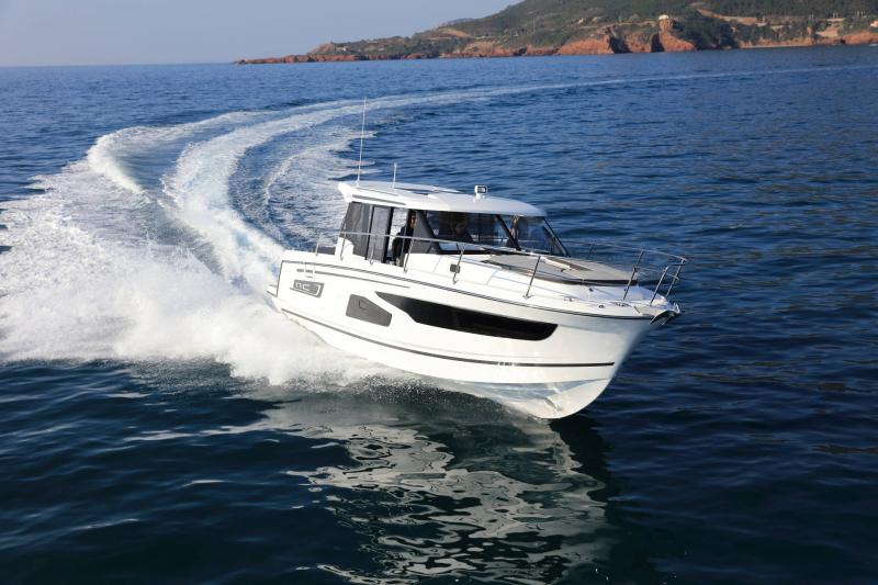 NC 1095 │ NC of 11m │ Boat Outboard Jeanneau  15350