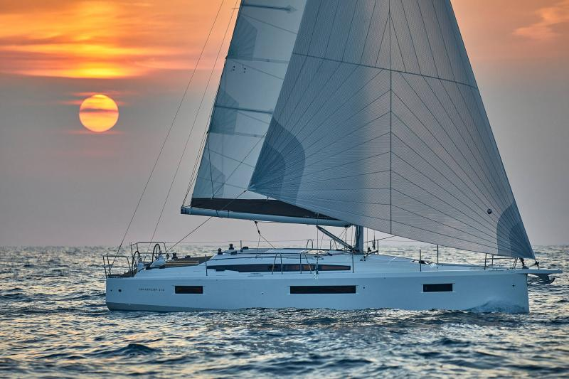 Sun Odyssey 410 │ Sun Odyssey Walk-Around of 12m │ Boat Sailboat Jeanneau 1-Navigation 12292