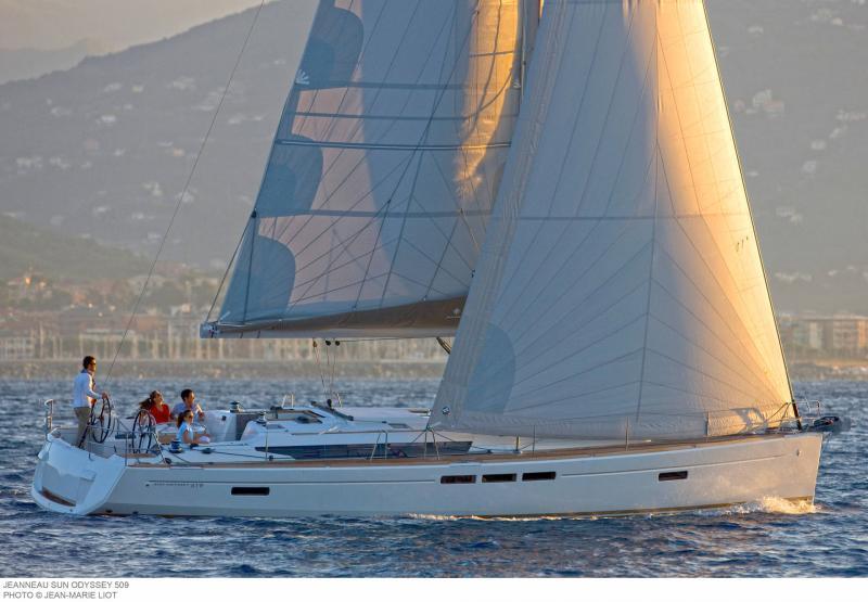 Sun Odyssey 519 │ Sun Odyssey de 16m │ Bateaux Voiliers Jeanneau  19784
