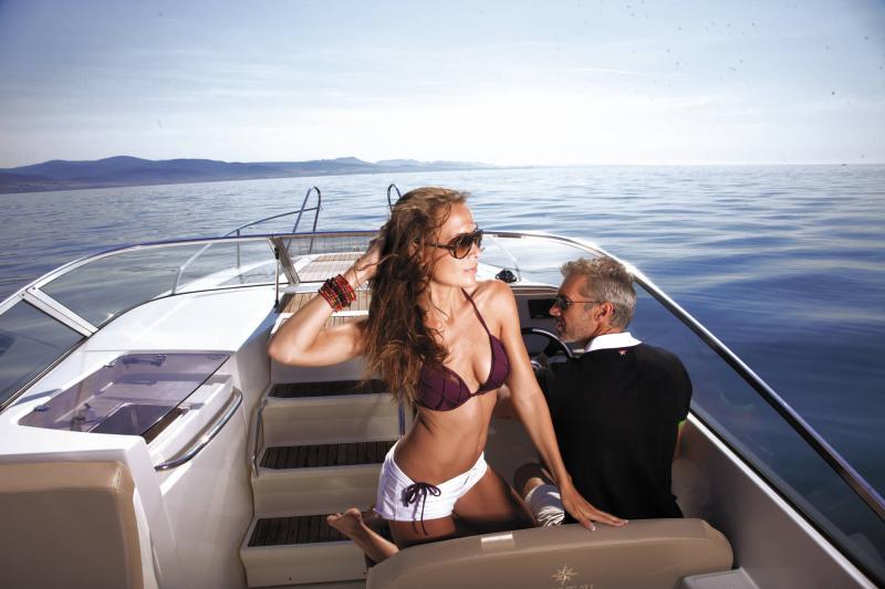 Cap Camarat 7.5 DC │ Cap Camarat Day Cruiser de 7m │ Bateaux Hors Bord Jeanneau 3-Lifestyle 12955